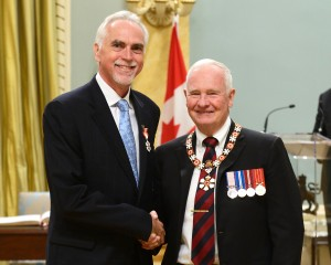 Stephen Carpenter receives the Order of Canada from Governor General David Johnson on September 12, 2014.